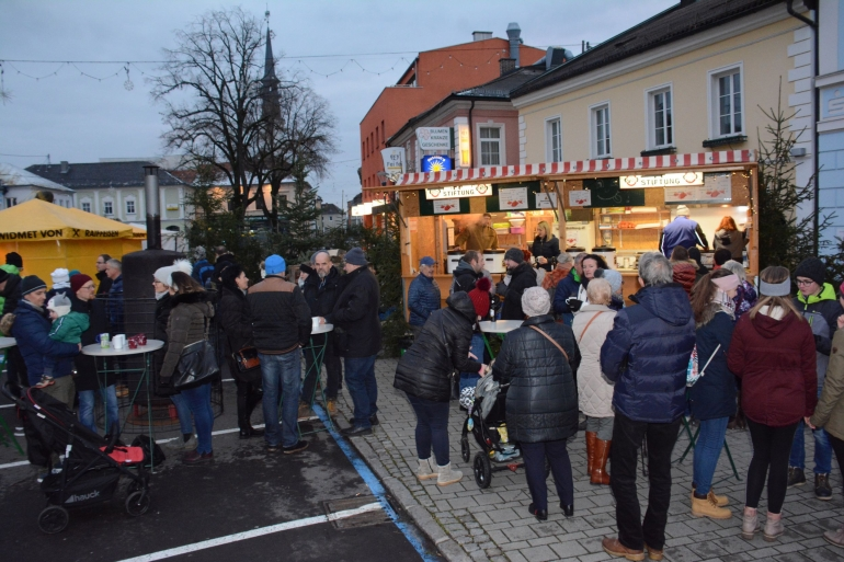 Weihnachtsmarkt in Bad Leonfelden 30. 11. - 01. 12. 2019